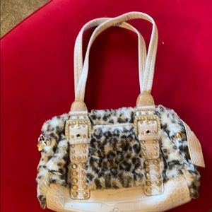 Free bag with $50 purchase 🤩🥰❤️